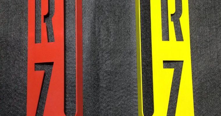 RZ250 ラジエーターカバー軽量化タイプのサイドカバーを塗装してみました!